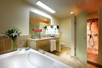 Suite, Jetted Tub, Courtyard Area