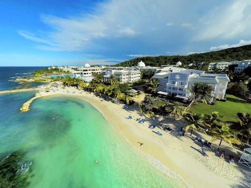 . Grand Palladium Jamaica Resort & Spa All Inclusive