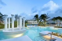 Grand Palladium Lady Hamilton Resort & Spa All Inclusive