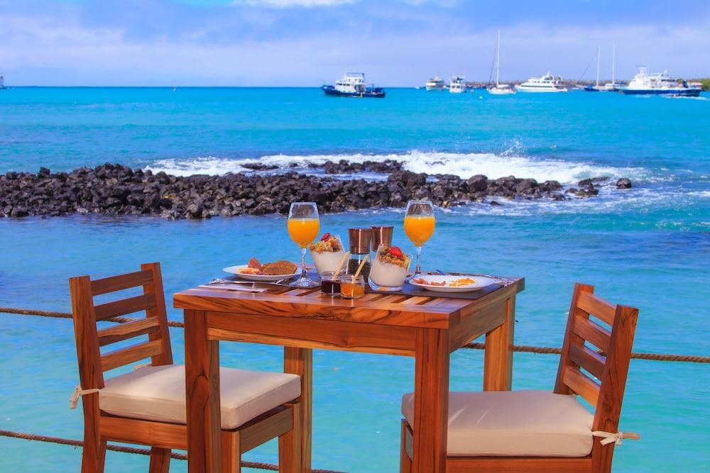 레드 맹그로브 바이 하우간 크루지즈(Red Mangrove by Haugan Cruises) Hotel Image 18 - Couples Dining