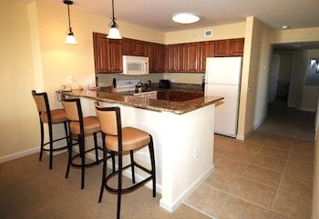 In-Room Kitchen at Tilghman Beach And Golf Resort in North Myrtle Beach