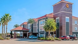 La Quinta Inn & Suites by Wyndham Winnie