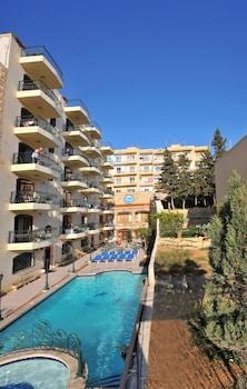 Hotel - White Dolphin Complex