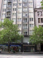 Plum Collins Street Serviced Apartments