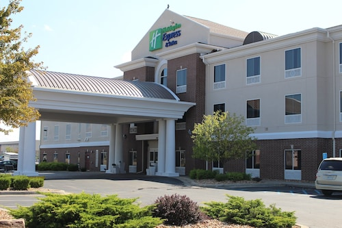 . Holiday Inn Express & Suites Sedalia, an IHG Hotel