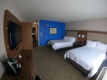 Standard Room, 2 Twin Beds, Mountain View