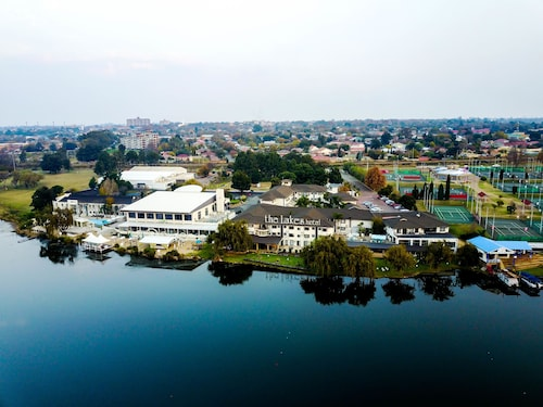. The Lakes Hotel and Conference Centre