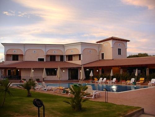 __{offers.Best_flights}__ Uappala Hotel Club Le Rose