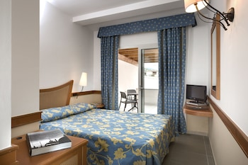Classic Double or Twin Room, 1 Bedroom, Courtyard View