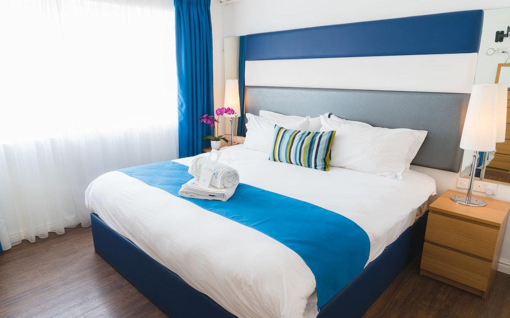 https://i.travelapi.com/hotels/3000000/2090000/2081600/2081502/0c7f9d4e_z.jpg