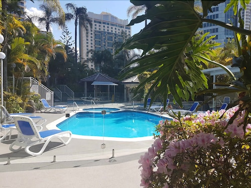 Copacabana Holiday Apartments, Surfers Paradise