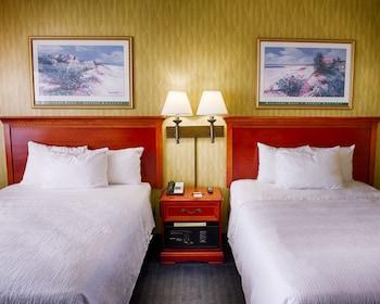 Guestroom at Oceanfront Inn in Virginia Beach