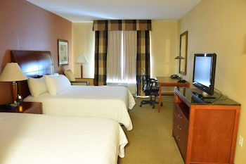 Deluxe Room, 2 Queen Beds, Accessible (Mobility & Hearing - Bathtub)