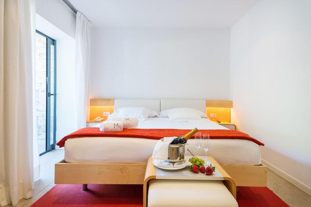 https://i.travelapi.com/hotels/3000000/2100000/2096400/2096333/17478145_z.jpg
