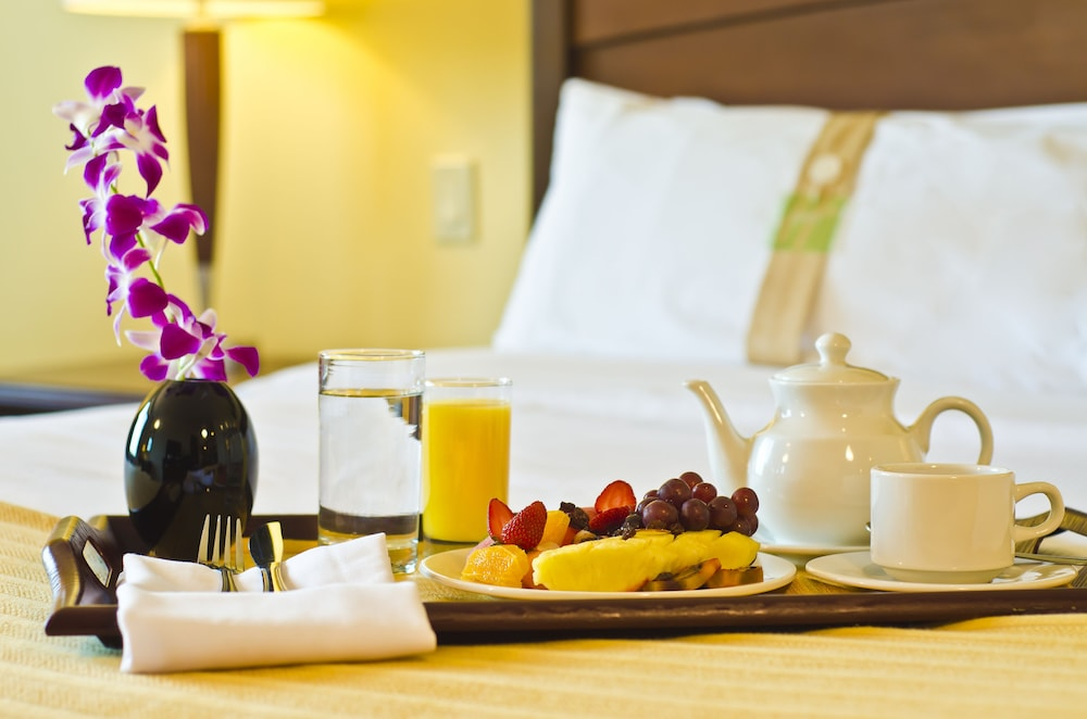 Room : In-Room Amenity 1 of 139