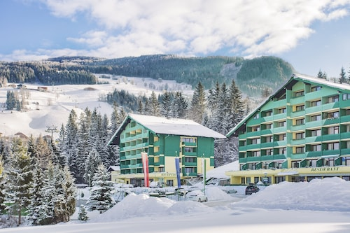 __{offers.Best_flights}__ Alpine Club by Diamond Resorts