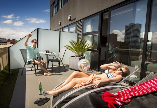 Space Hotel - Hostel, Port Phillip - West