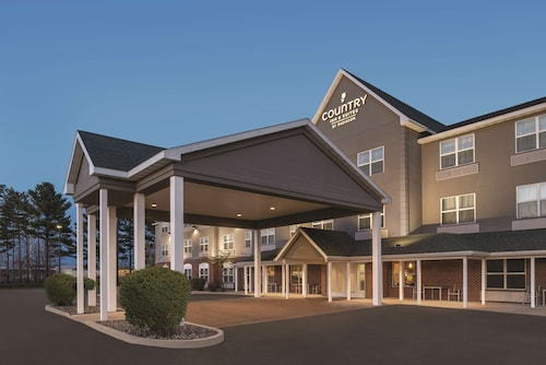 . Country Inn & Suites by Radisson, Marinette, WI