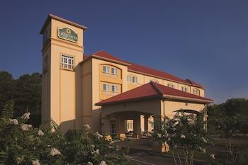諾福克機場拉昆塔套房飯店