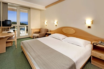 Classic Room With Balcony, Sea Side