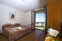 Basic Double Room, Balcony, Valley View