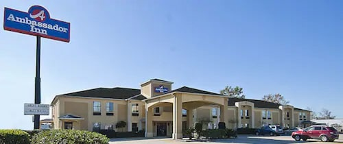 . Ambassador Inn Lafayette