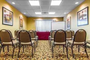 Vacaville Vacations - Comfort Suites Vacaville - Property Image 1