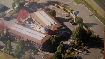 Americas Best Value Inn Fairfield/Napa Valley - Aerial View  - #0