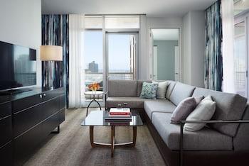 Skyline, Suite, 1 King Bed