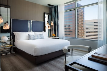 Room, 1 King Bed, View (SKYLINE VIEW)