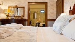 Suite, 1 Double Bed, Ensuite, Garden View