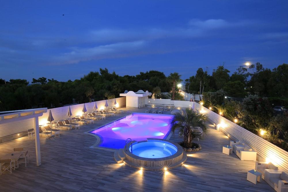 가든 호텔 리파(Garden Hotel Ripa) Hotel Image 6 - Pool