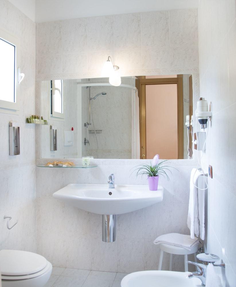 가든 호텔 리파(Garden Hotel Ripa) Hotel Image 14 - Bathroom