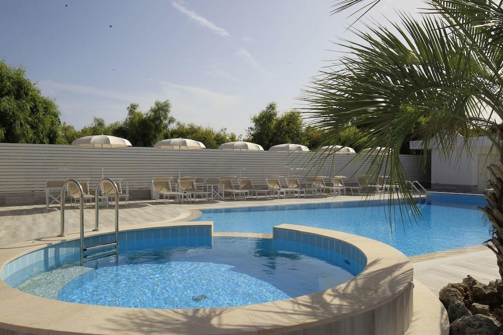 가든 호텔 리파(Garden Hotel Ripa) Hotel Image 2 - Pool