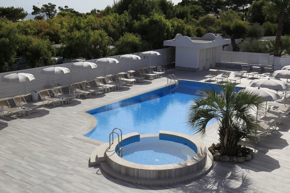 가든 호텔 리파(Garden Hotel Ripa) Hotel Image 3 - Pool