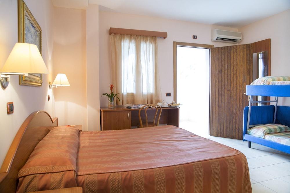 가든 호텔 리파(Garden Hotel Ripa) Hotel Image 29 - Guestroom