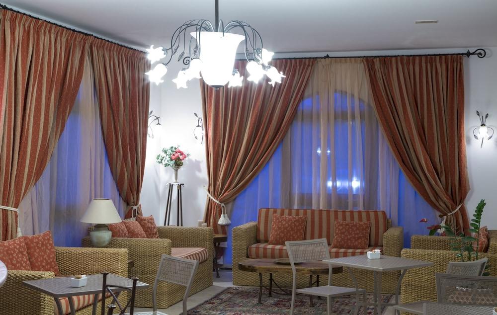 가든 호텔 리파(Garden Hotel Ripa) Hotel Image 39 - Hotel Lounge