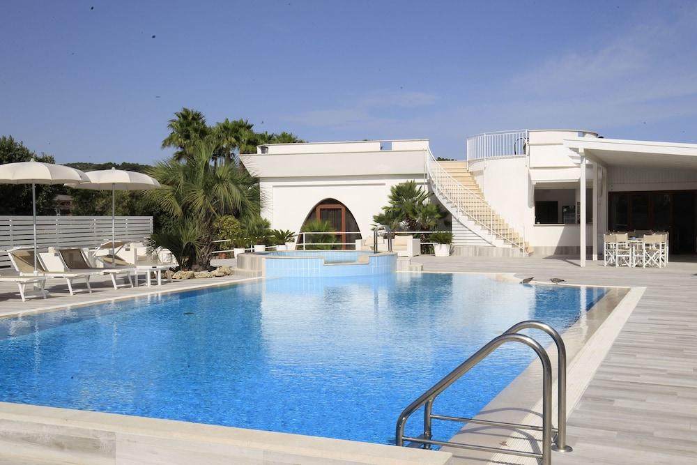 가든 호텔 리파(Garden Hotel Ripa) Hotel Image 5 - Pool