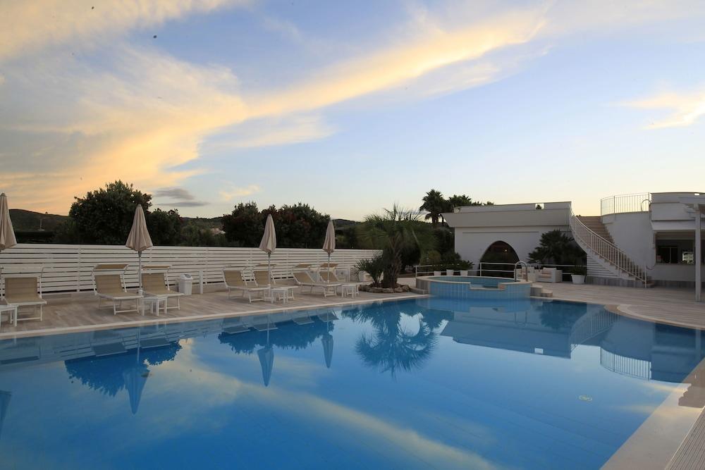 가든 호텔 리파(Garden Hotel Ripa) Hotel Image 11 - Pool