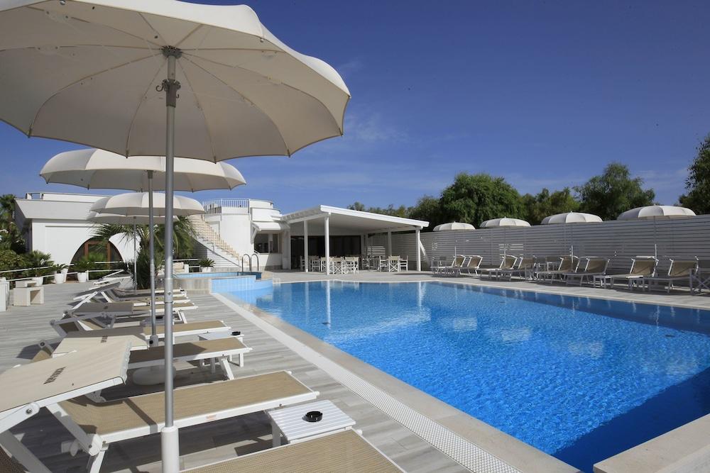 가든 호텔 리파(Garden Hotel Ripa) Hotel Image 9 - Pool