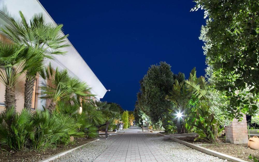가든 호텔 리파(Garden Hotel Ripa) Hotel Image 73 - Exterior