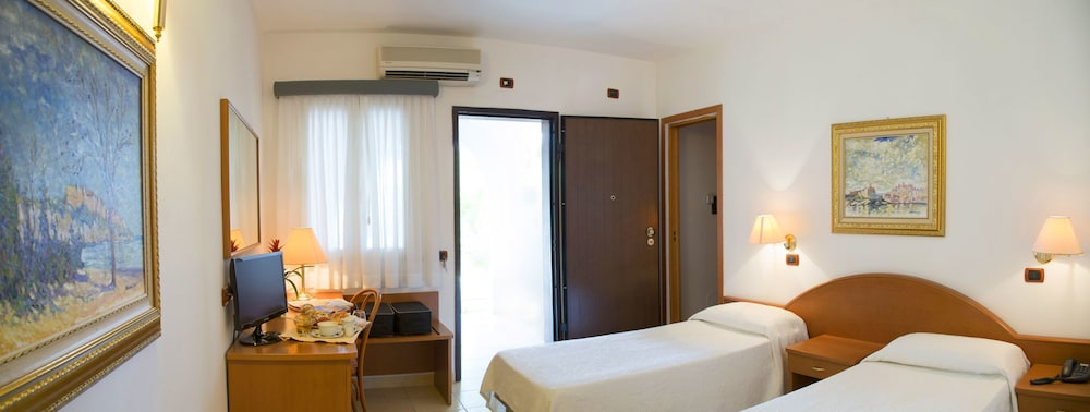 가든 호텔 리파(Garden Hotel Ripa) Hotel Image 27 - Guestroom