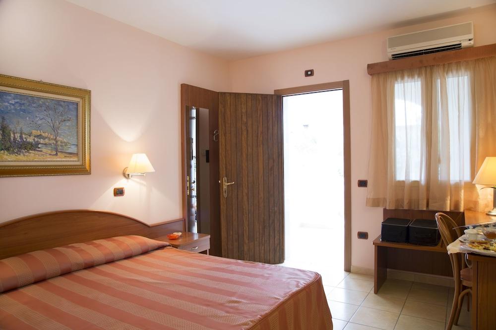 가든 호텔 리파(Garden Hotel Ripa) Hotel Image 28 - Guestroom