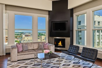 Suite, 1 King Bed (The Nines,Club Level,1 Bedroom)