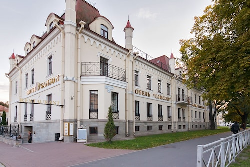 . Hotel Samson