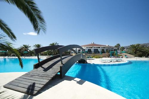 . Club Hotel Marina Beach