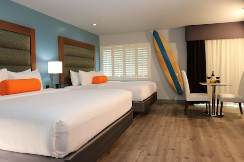 . BLVD Hotel & Spa-Walking Distance to Universal Studios Hollywood
