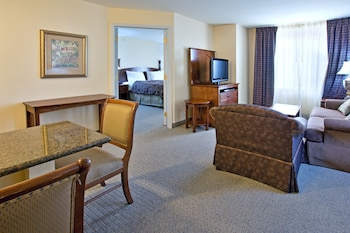 Suite, 2 Bedrooms, Accessible, Kitchen (Hearing, Nonsmoking)