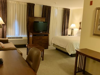Suite, 1 Bedroom, Kitchen (Conference Style)
