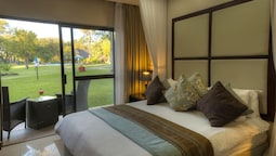 Standard Double Room - River Facing